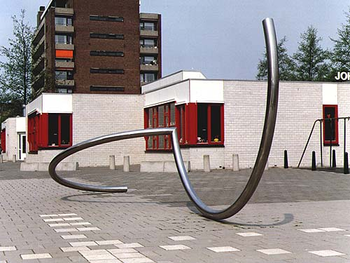 Dordrecht (dordt) Holland - sculptures (site specific and public sculpture) in cities in Europe and America by Lucien den Arend - his site specific sculptures ordered by the city of Dordrecht (dordt)