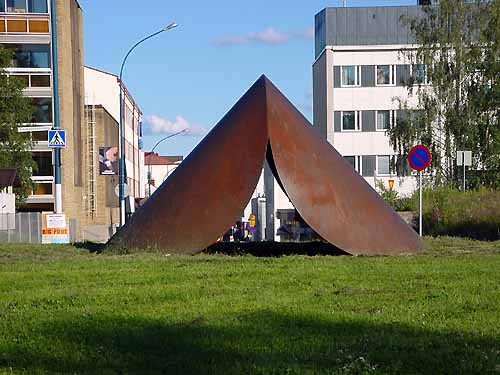 Kajaani Finland - sculptures (site specific and public sculpture) in cities in Europe and America by Lucien den Arend - his site specific sculptures and works in the city of Kajaani