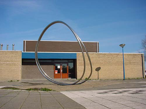 Maassluis Holland - sculptures (site specific and public sculpture) in cities in Europe and America by Lucien den Arend - his site specific sculptures ordered by the city of Maassluis