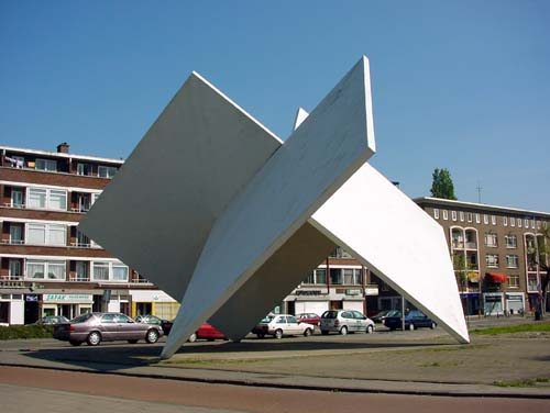 Rotterdam Holland - sculptures (site specific and public sculpture) in cities in Europe and America by Lucien den Arend - his site specific sculptures ordered by the city of Rotterdam