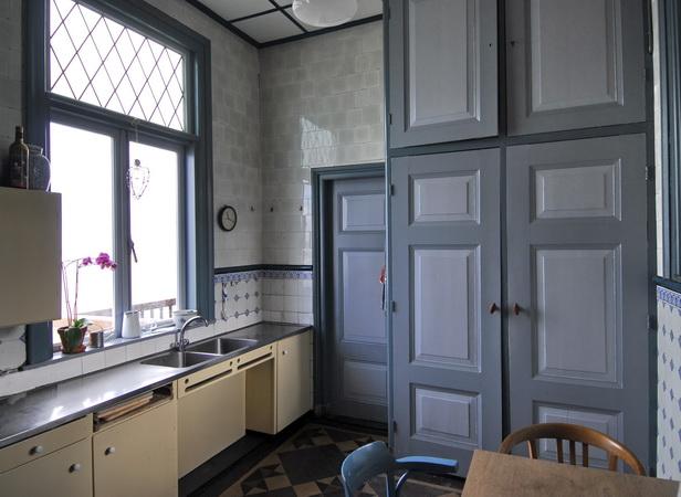Interieur te koop grachtenpand grachtenhuis herenhuis aan een historische haven met - Fotos van de keuken ...